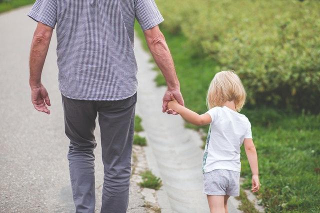 子ども_熱中症_散歩