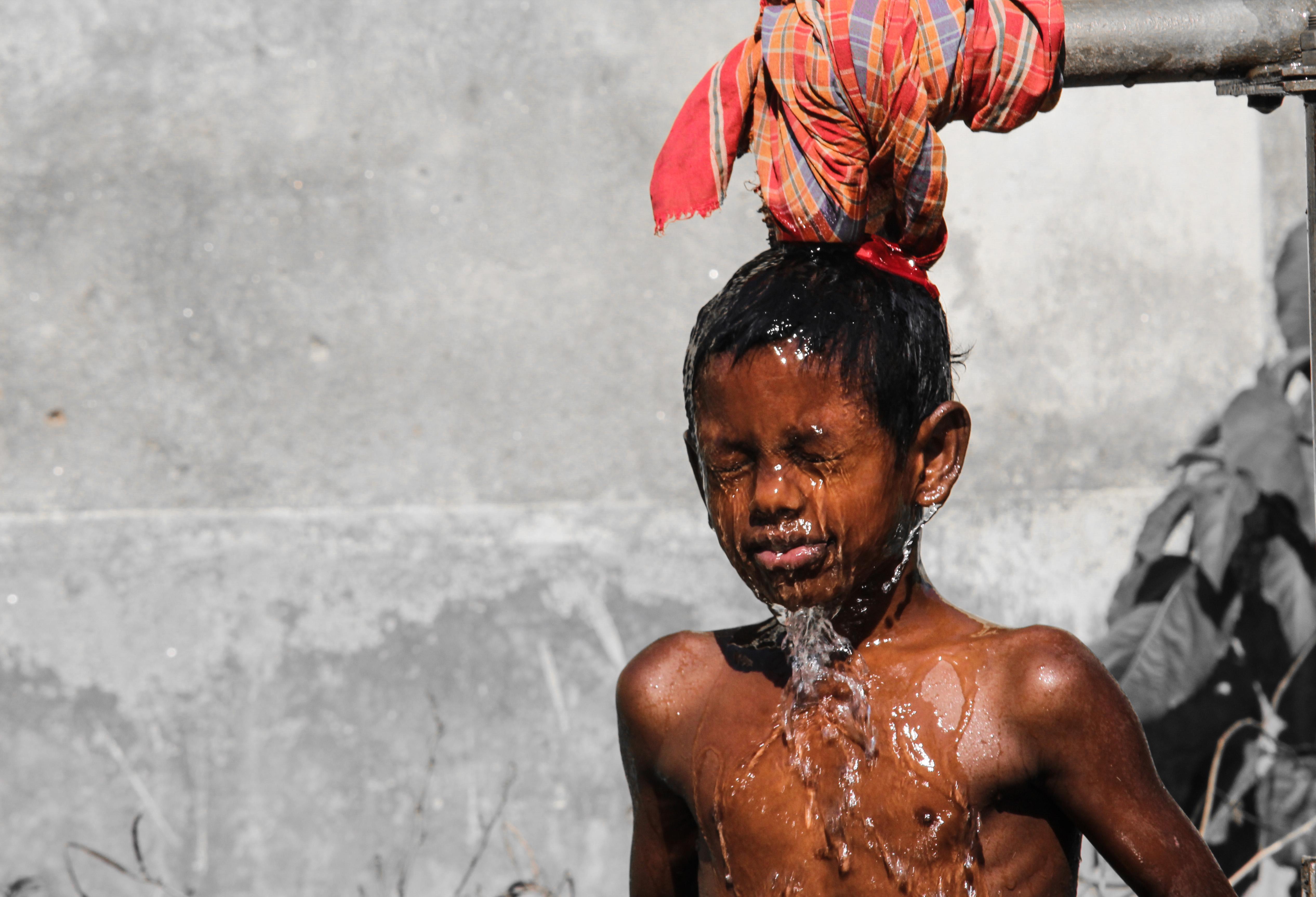 冷たい水のシャワーで体温は下がりきらない!やはり氷風呂がベスト